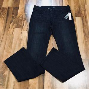 Resellers Bundle 2 for $60 David Kahn Jeans 31